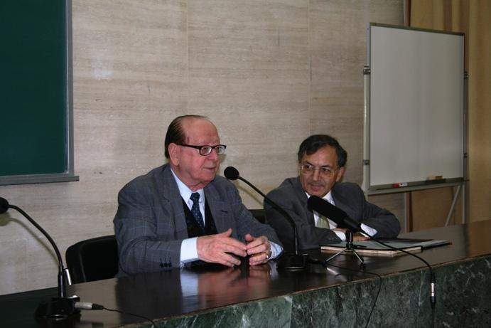 Professor Evanildo Bechara