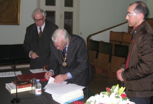 Assinatura do Protocolo, o Secretário-Geral João Pereira Neto, o Presidente Luís Aires-Barros e Ângelo Cristóvão, Secretário da AGLP